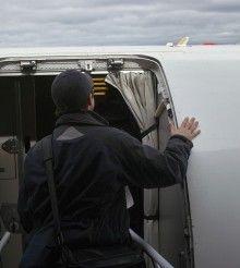 Volando por la red: Tú, tu metro ochenta de estatura y el avión.